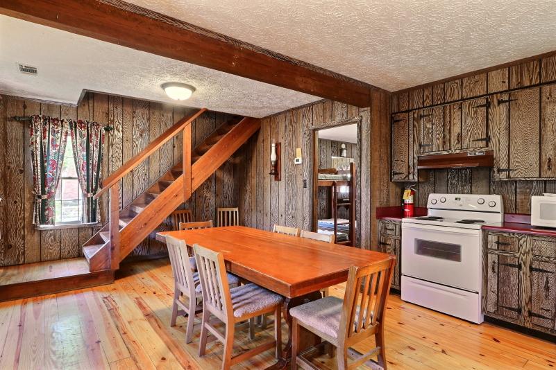 Bunk Cottage kitchen 6